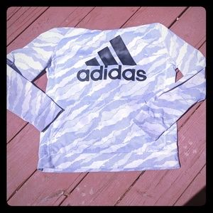 Really comfy Adidas hoodie one park in the front v